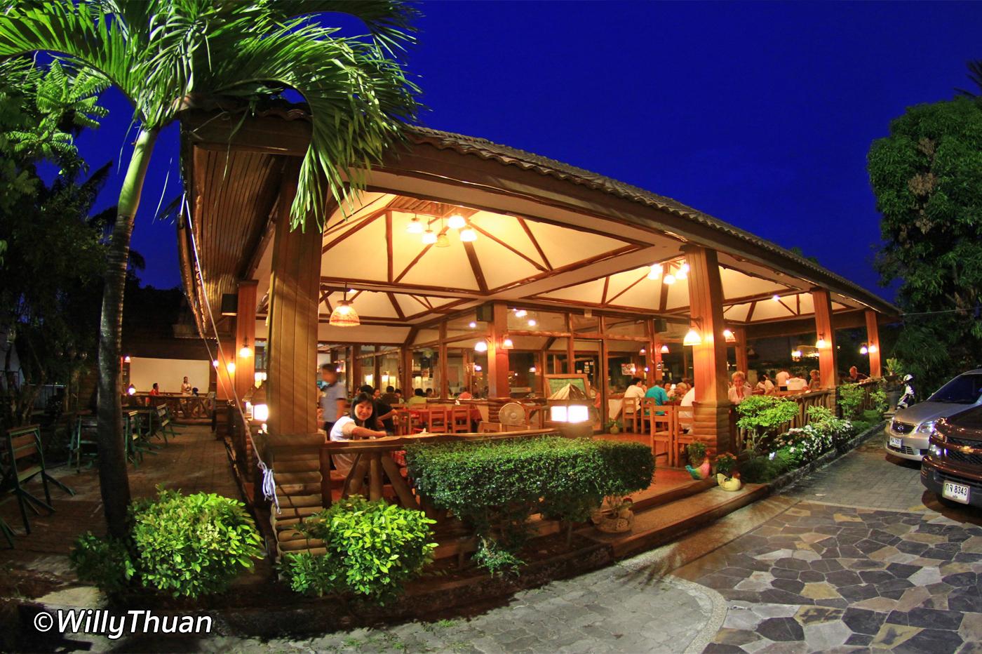 Big Chicken Restaurant Phuket