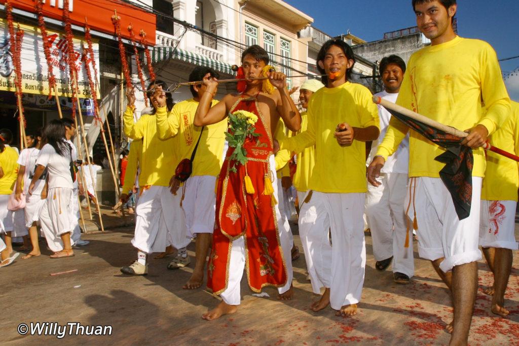 phuket-vegetarian-festival-3