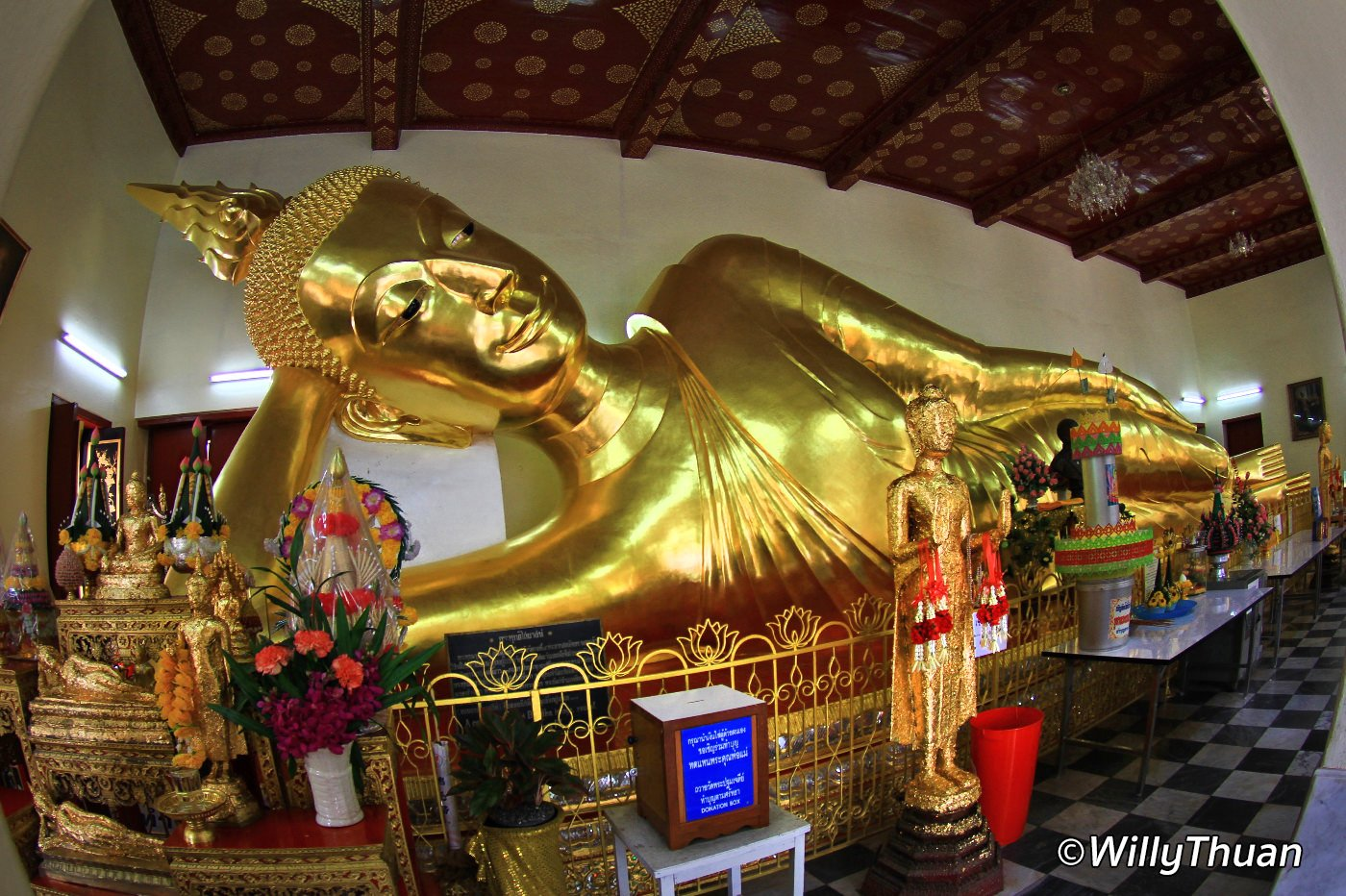 7 Postures du Bouddha
