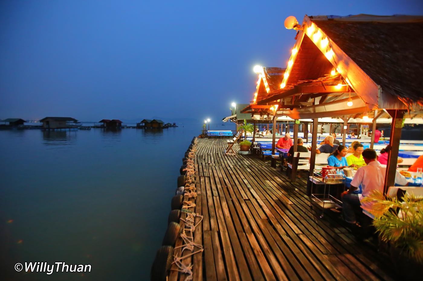 Phuket Floating Restaurant – Kru Suwit Seafood