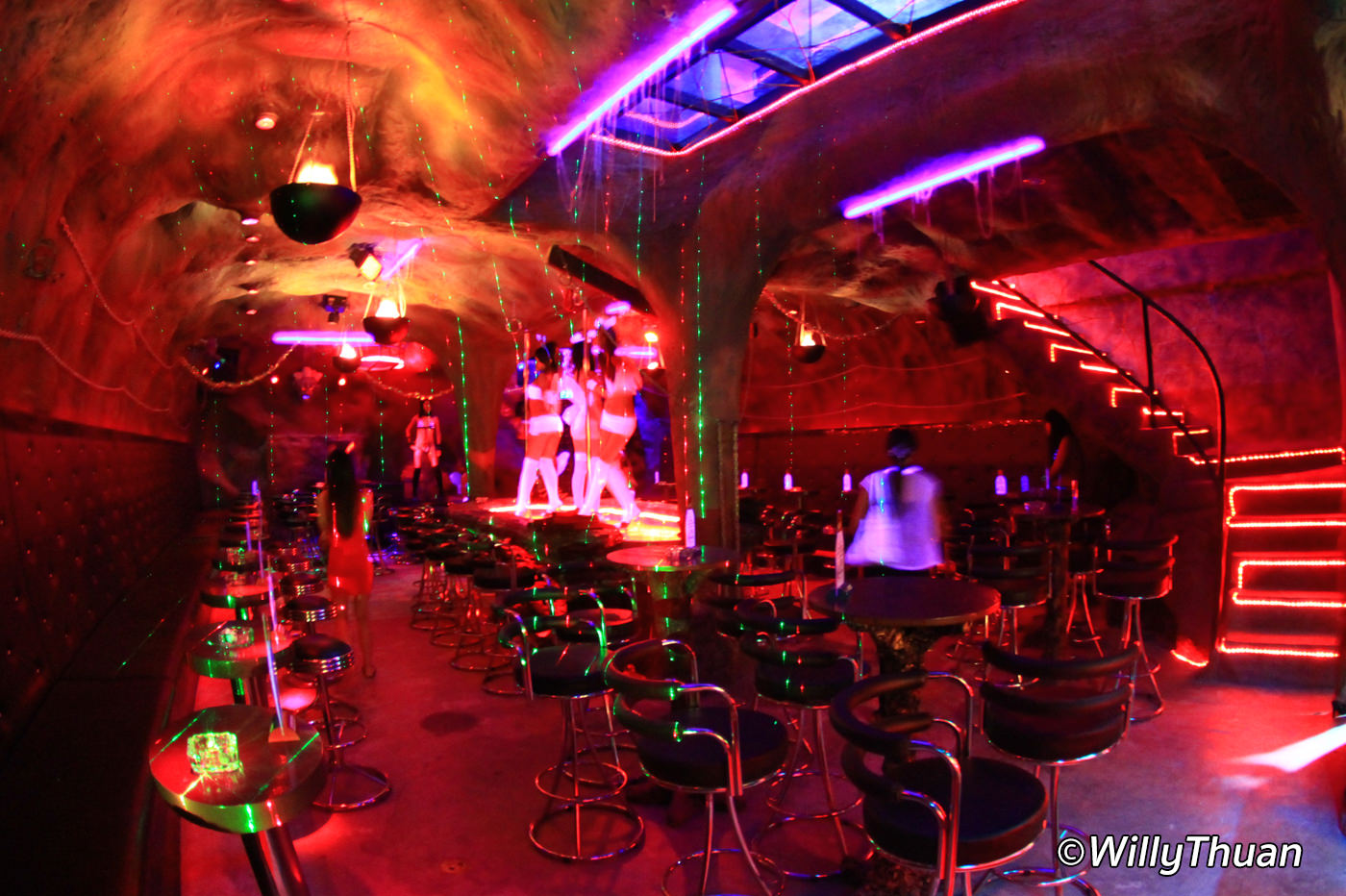 Inside Phuket Go Go Bars - What Really Happens in a Go Go Bar?