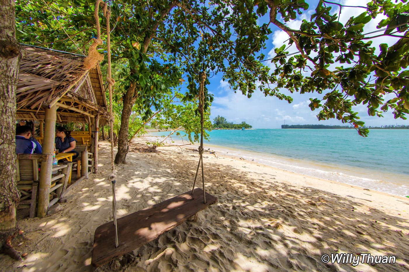 Where Can You Eat on the Beach in Phuket
