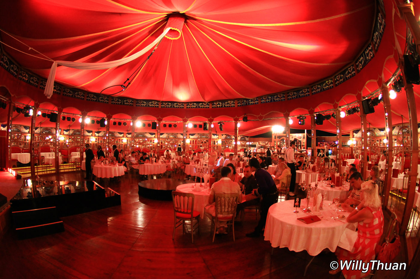 Phuket Palazzo Dinner Show