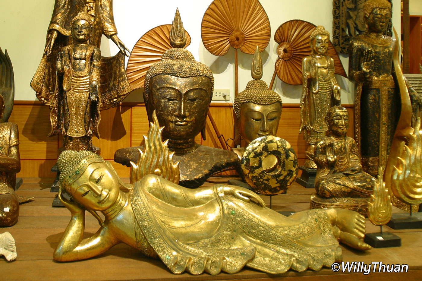 Buying Buddha Images in Thailand