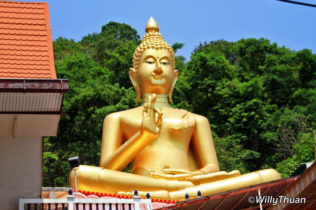 Wat Khao Rang in Phuket Town