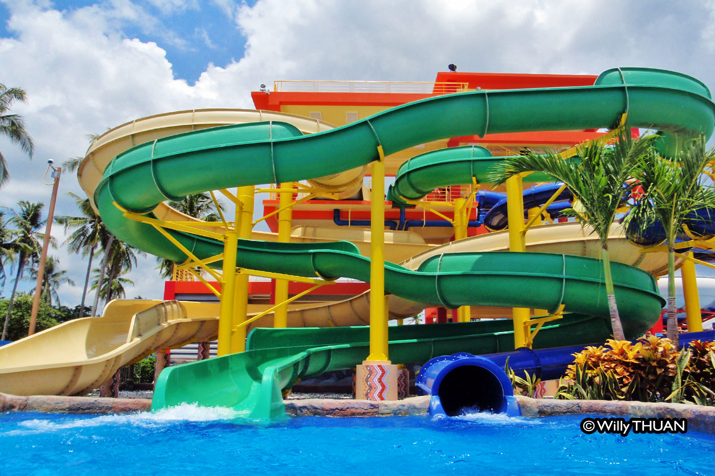 Splash Jungle Water Park in Phuket