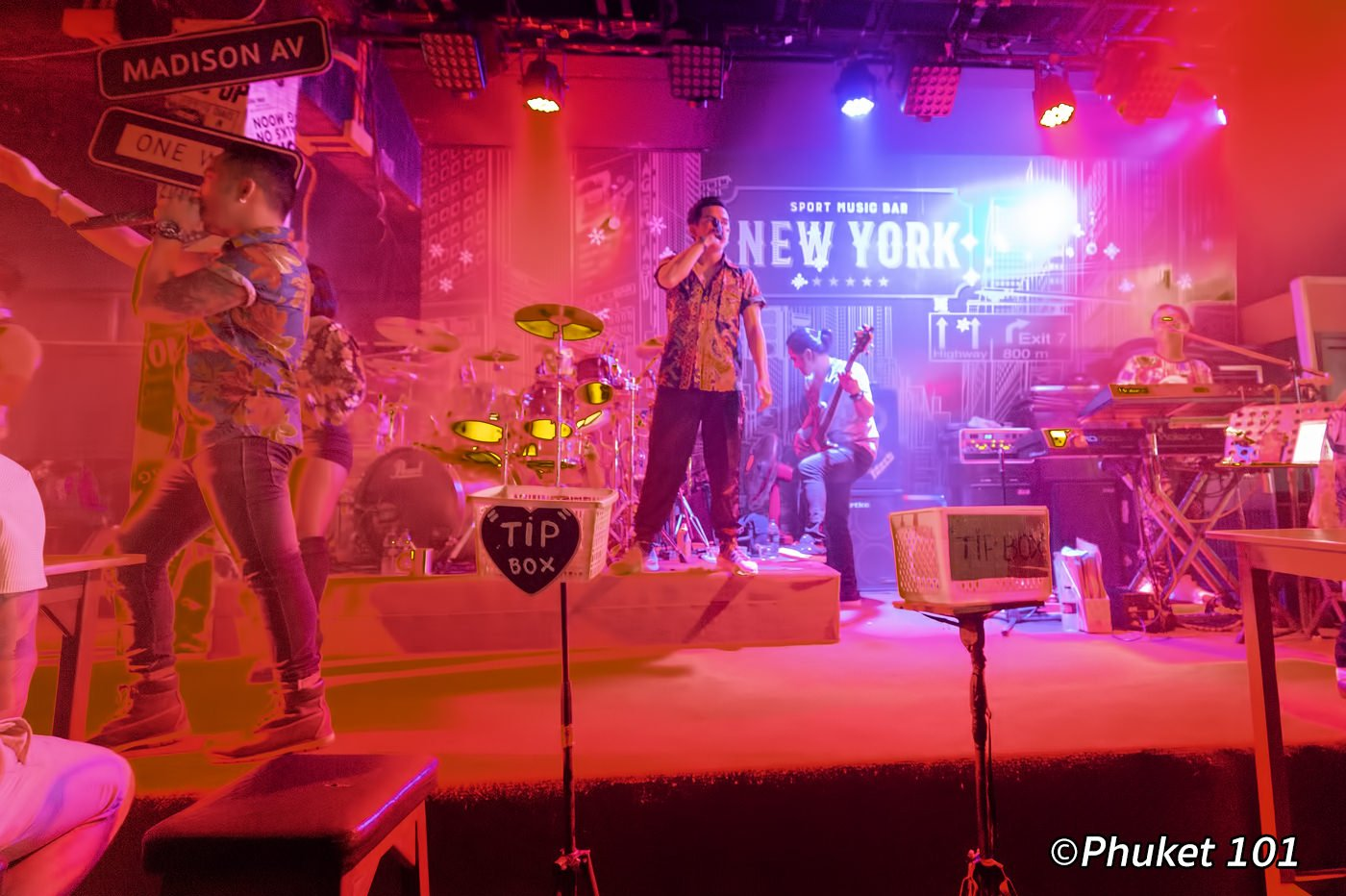 Phuket Live Band Bars in Patong