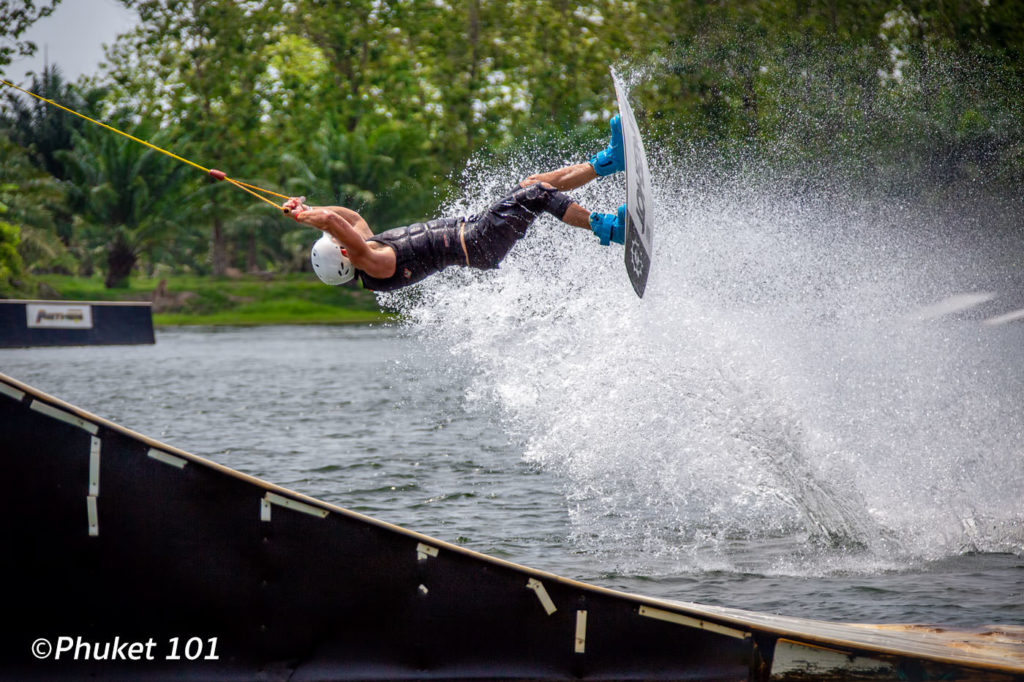 Anthem Wakepark - Wakeboarding in Phuket