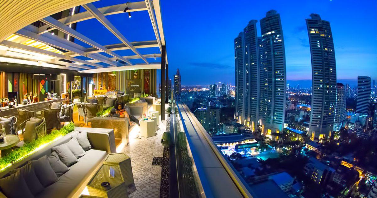 Sky on 20 Rooftop Bar at Novotel Bangkok