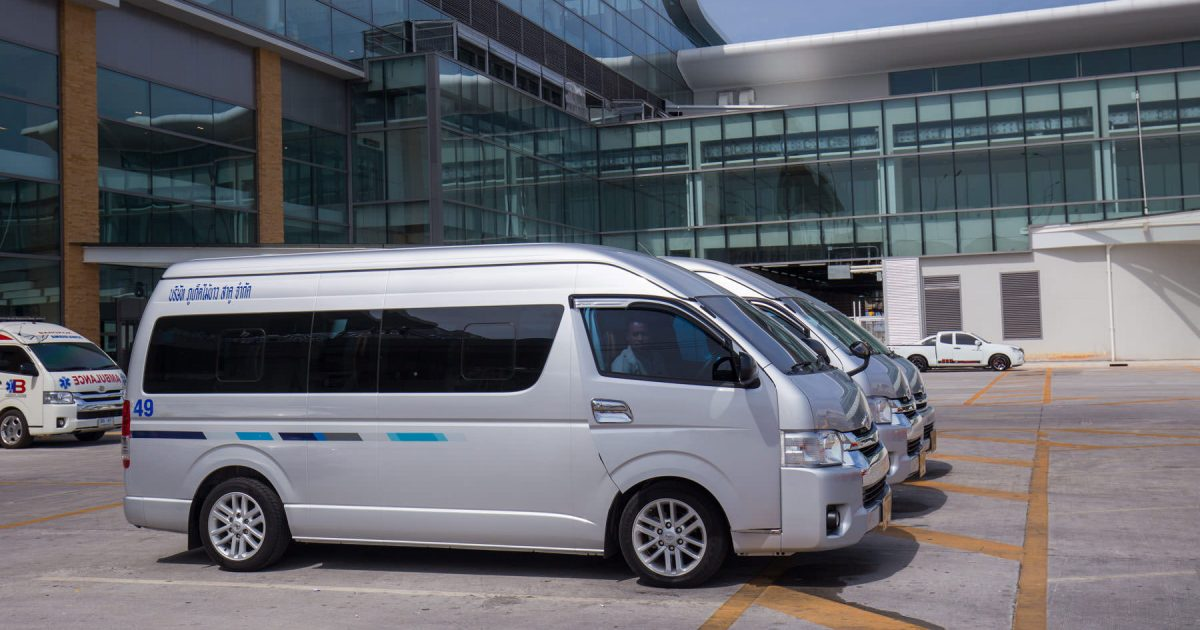 Renting a car with a private driver in Phuket