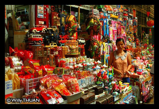 Klong Suan Roi Pee Market