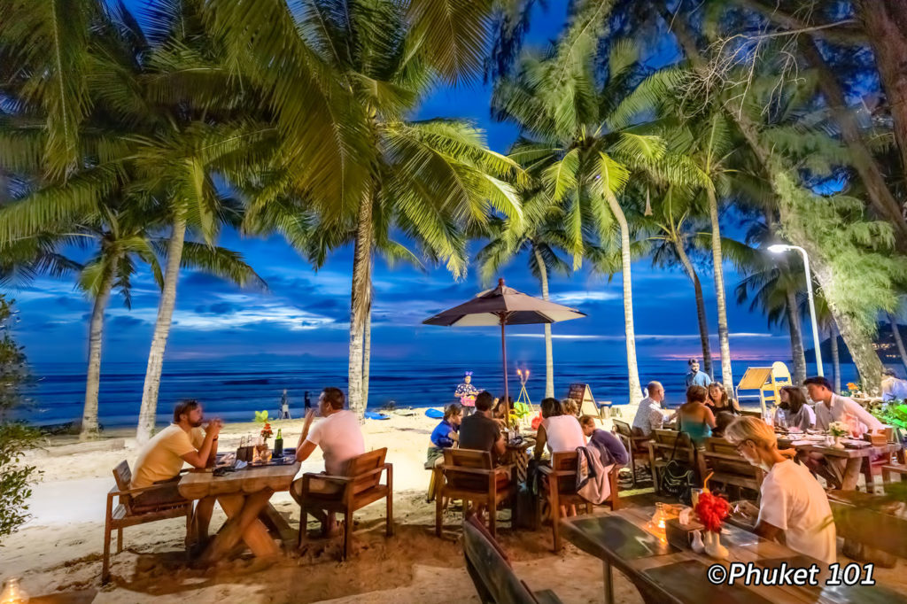 Boat Bar restaurant in Kamala