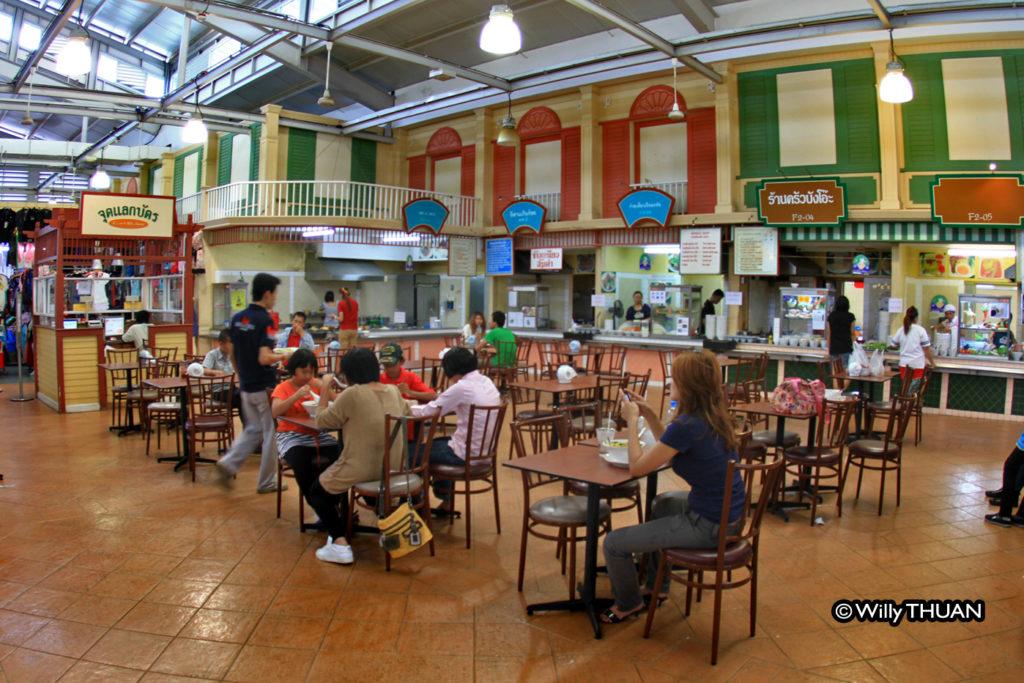 foodcourt-at-banzaan-market