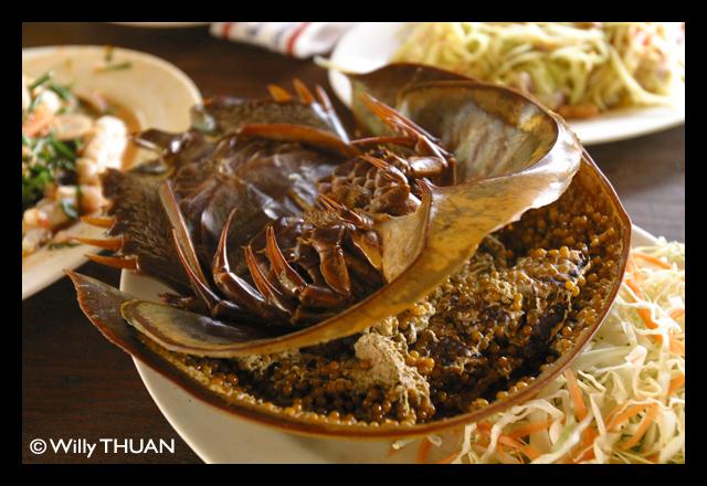 Kai Mang Da Talay – Horseshoe Crab's Roe Salad
