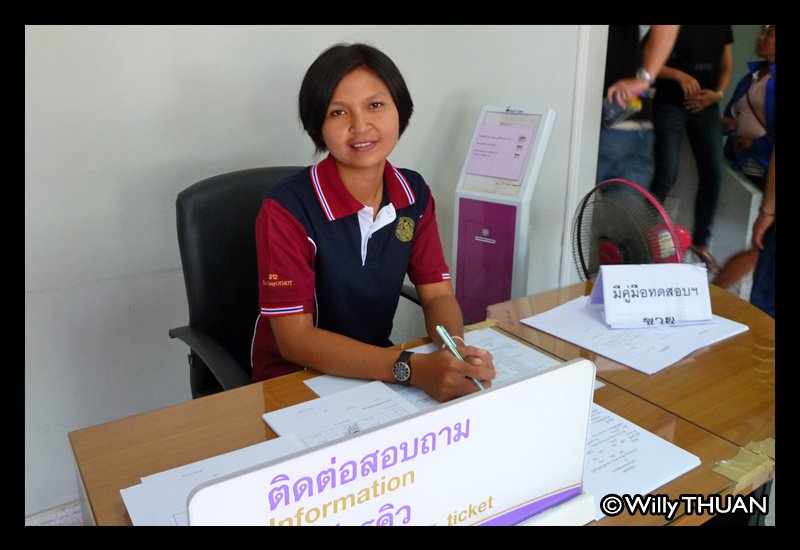 phuket-driving-test-officer