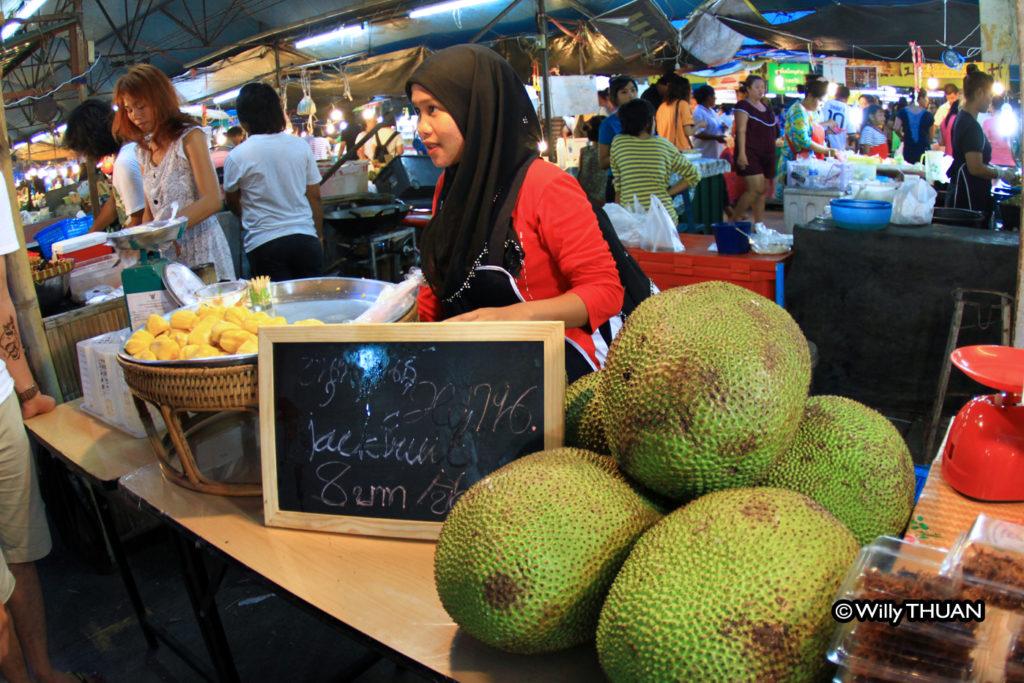 phuket-week-end-market