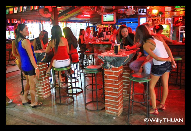 Soi Dongtan – Patong Beach Nightlife