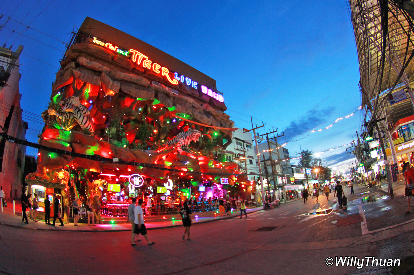 Phuket Nightlife – What to Do at Night in Phuket